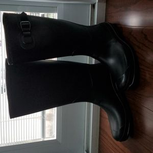 Kamik black rainboots size 8